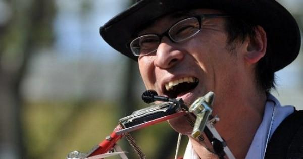 ファニートンボさん~日本で最も有名なワンマンバンド奏者~